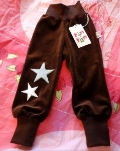 Turkoosit,tai ruskeat.  Tähdet (ruskeisiin vaaleat, ja turkoosiin lime)  Koossa 128cm ja 92cm  Saa olla myös itse tehdyt.