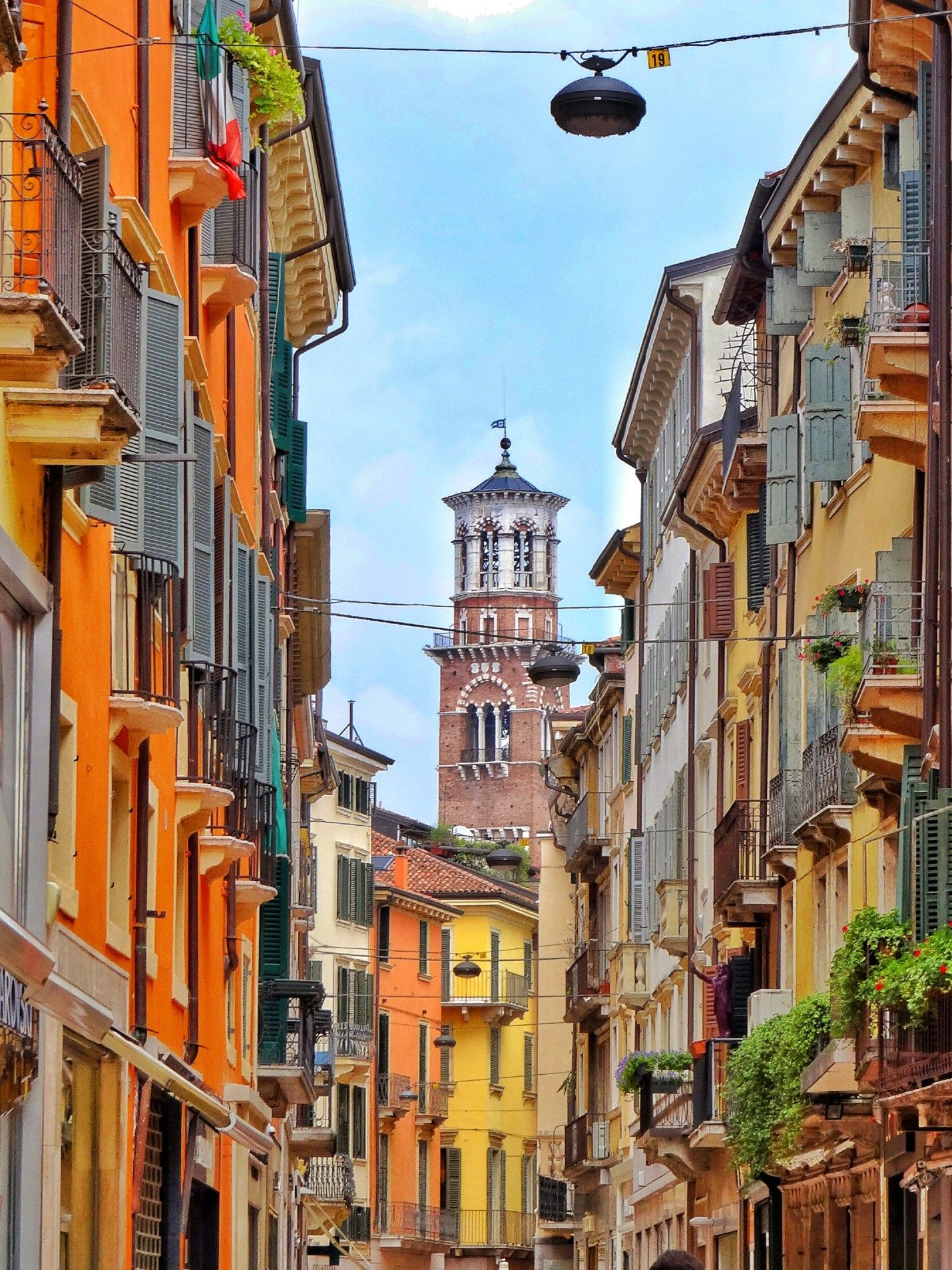 Verona Via Mazzini  5a1b4da6842
