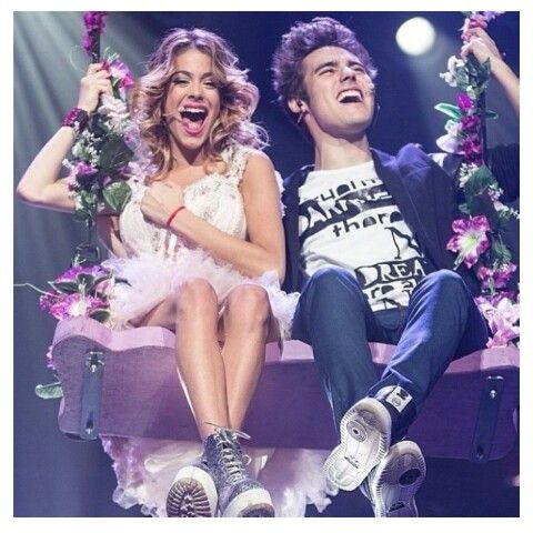 Jorge Blanco Y Martina Stoessel En Violetta En Concierto Martina Stoessel Disney Channel Shows Celebrity Couples