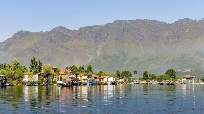 Dal Lake one of the most beautiful #lakes in India which is immensely popular amongst Tourist.