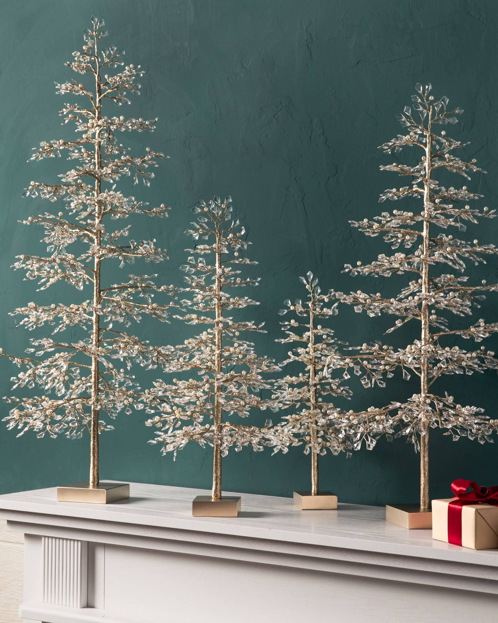Pin On Winter Themed Christmas Tree Decorating Ideas