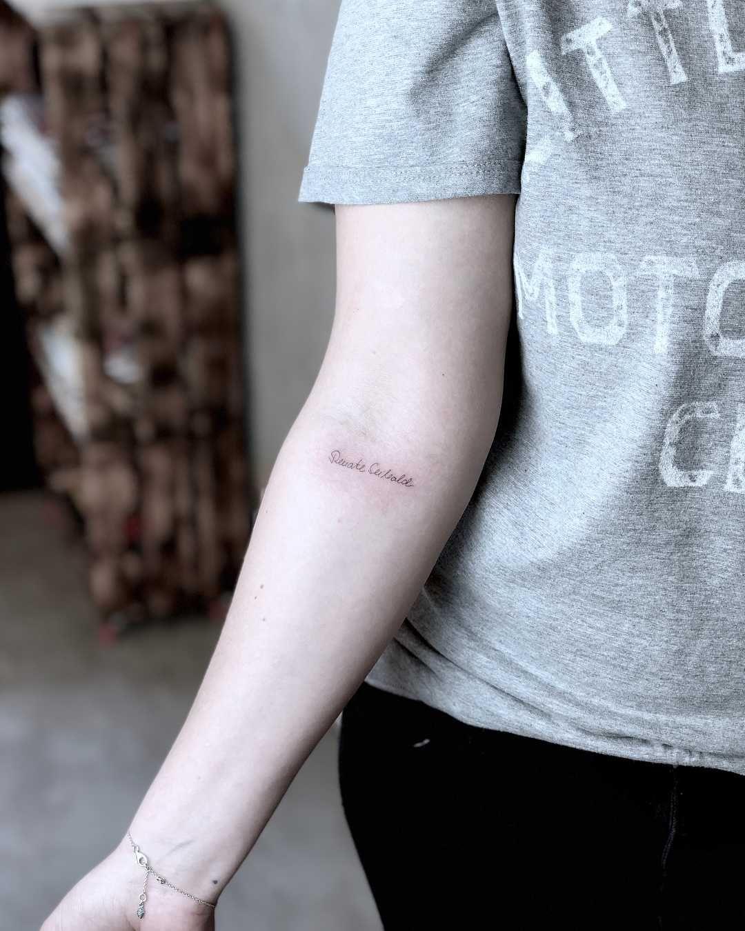 A Tiny Single Needle Signature Tattoo On The Right Forearm By Lox Luna Signature Tattoos Tattoos Word Tattoos