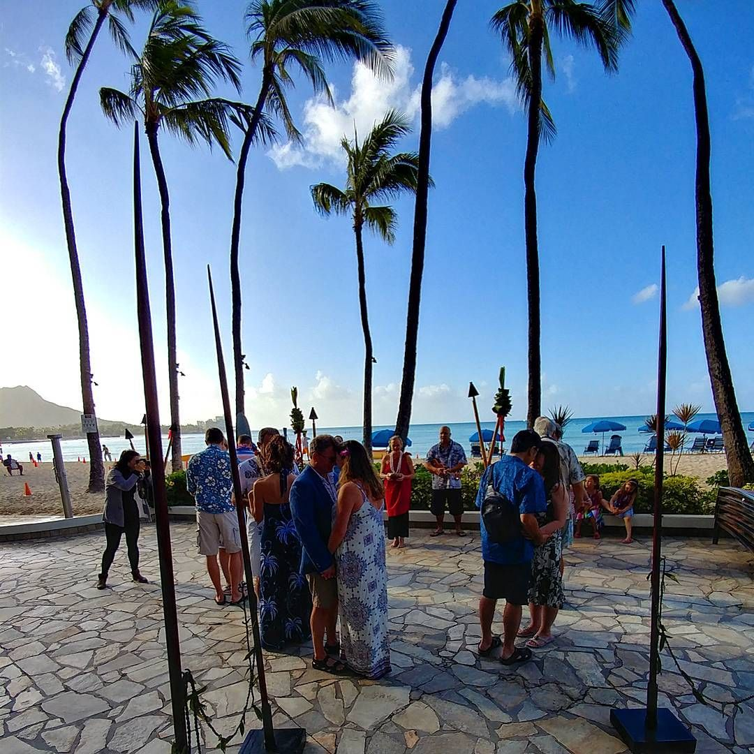 Special Oceanfront resort in Waikiki! PC:@outriggerwaikiki 🤙🏼🌺🌴 A beautiful setting for this mornings vow renewal ceremony! #love #vowrenewal #outrigger #resorts #aloha #hawaii 🔥🔥🔥Hawaii Luau Company- Hawaii's Premiere Corporate Event, Luau, Wedding and Entertainment Company.  www.hawaiiluaucompany.com   #hawaiiluaucompany #huakailuau #huakai #waikiki🌺 #mauiisland #waikikibeaches #waikikiphotography #honolulu #waikiki #hawaiibound #hawaiieventplanner #hawaiievents #oahuweddingplanner #oa
