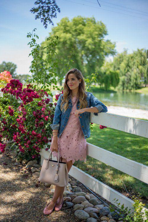 15 Fashionable Ways To Style Your Denim Jacket - http://www.laddiez.com/health-beauty-tips/15-fashionable-ways-to-style-your-denim-jacket.html - #Denim, #Fashionable, #Jacket, #Style, #Ways, #Your