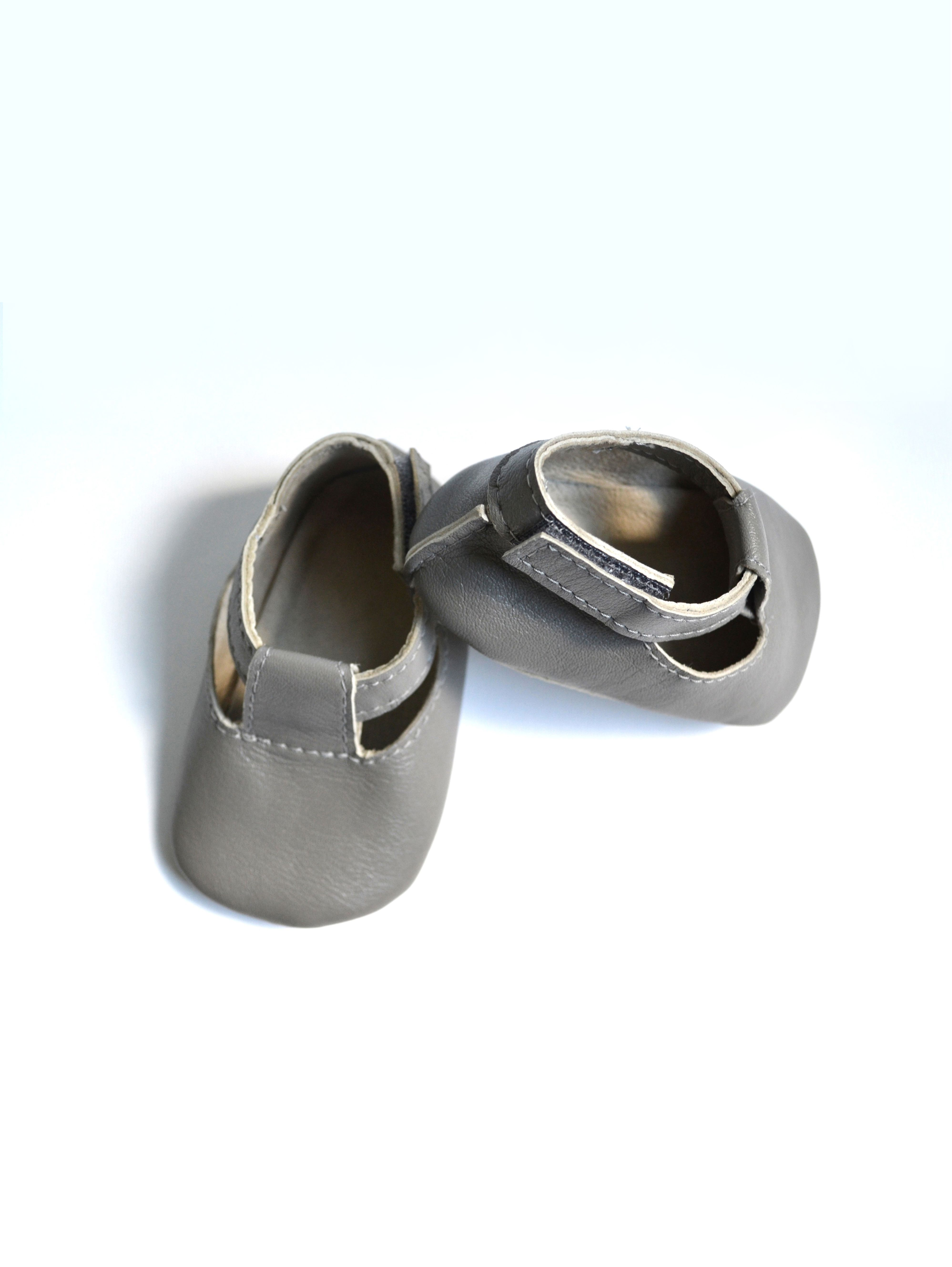 Handmade soft sole genuine leather grey baby sandals by MiniMo