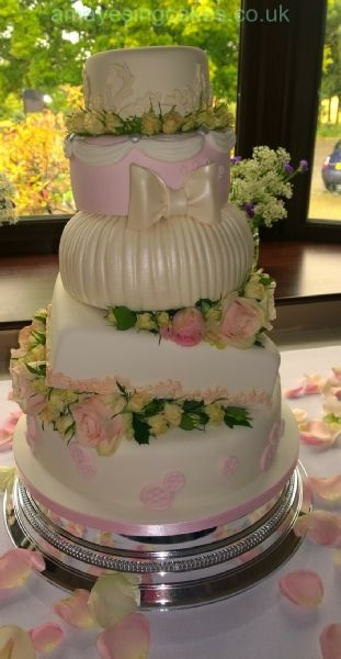 Wedding Cakes Special Days Require Special Cakes Cake Makers - Wedding Cakes In Wakefield