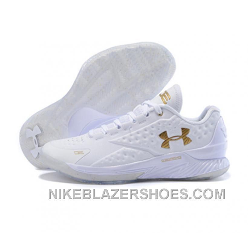 fae01b7f Gold Basketball Shoes, Basketball Stuff, Tenis Basketball, Under Armour  Shoes, Armor Shoes