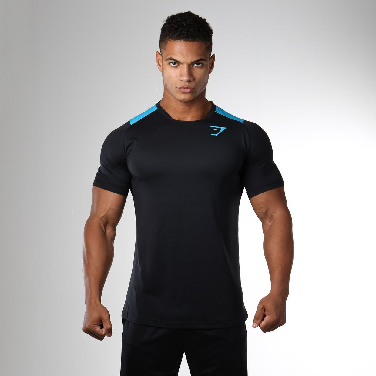 Your Workout Needs A High Performance Workout T Shirt For Your Level Of Endurance Wear The Transcendent T Shirt The Fitness Fashion Sport Outfits Black Shirt