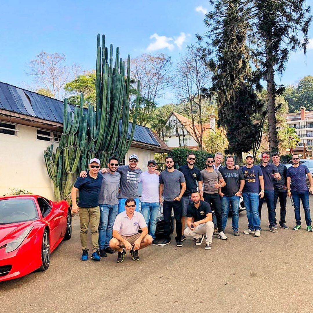 2 Road Trip Dcc Itaipava Que Fim De Semana Insano Com Essa Galera Resenha Cabulosa Dreamcarclubmg Dcc Dream Cars Car Club Trip