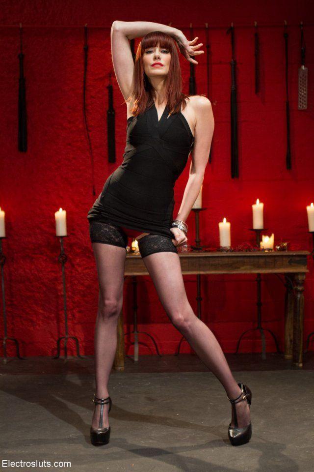 Maitresse Madeline Nude Photos 10