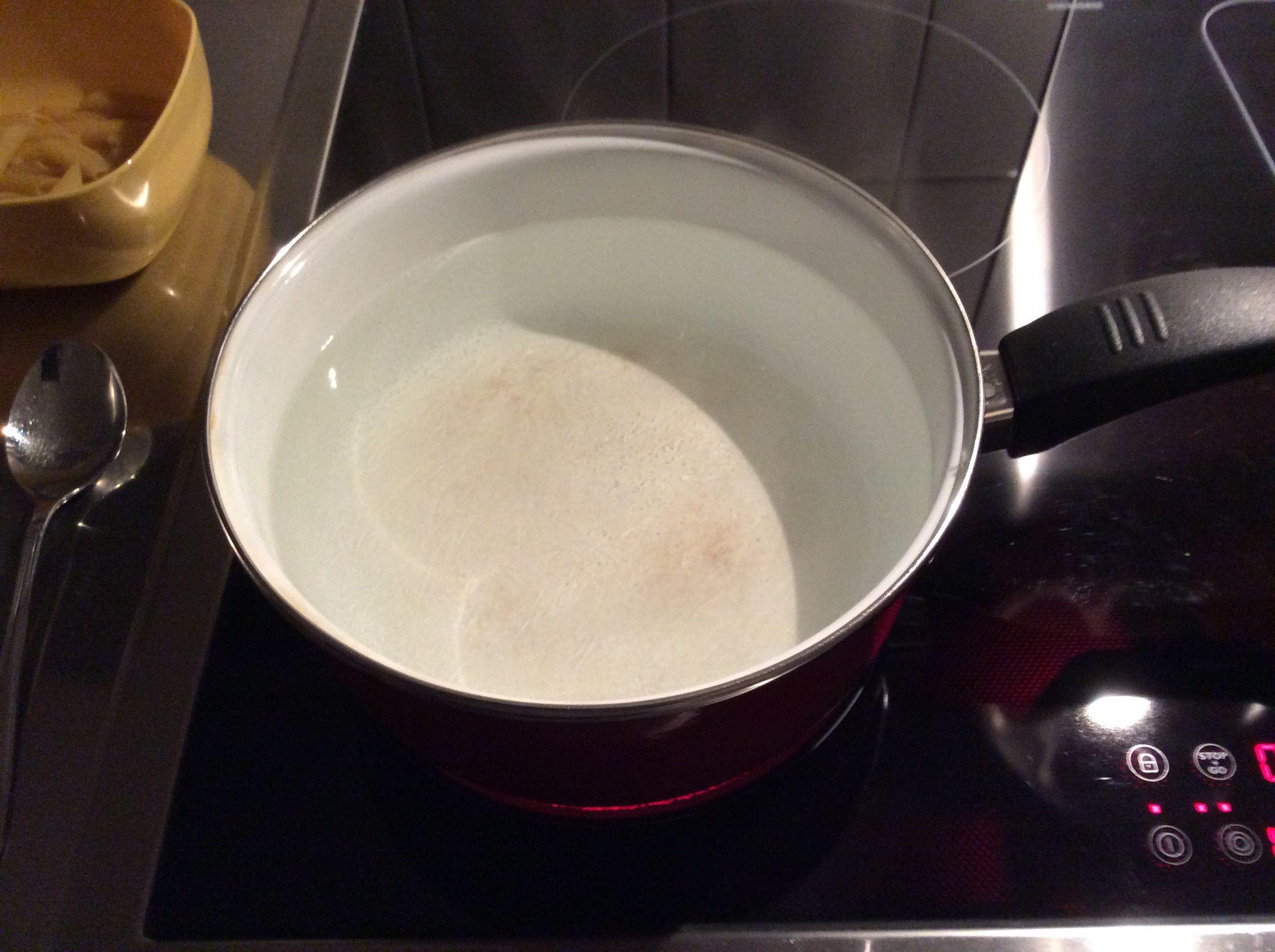 Licht- und Strömungseffekte beim Wasser aufkochen