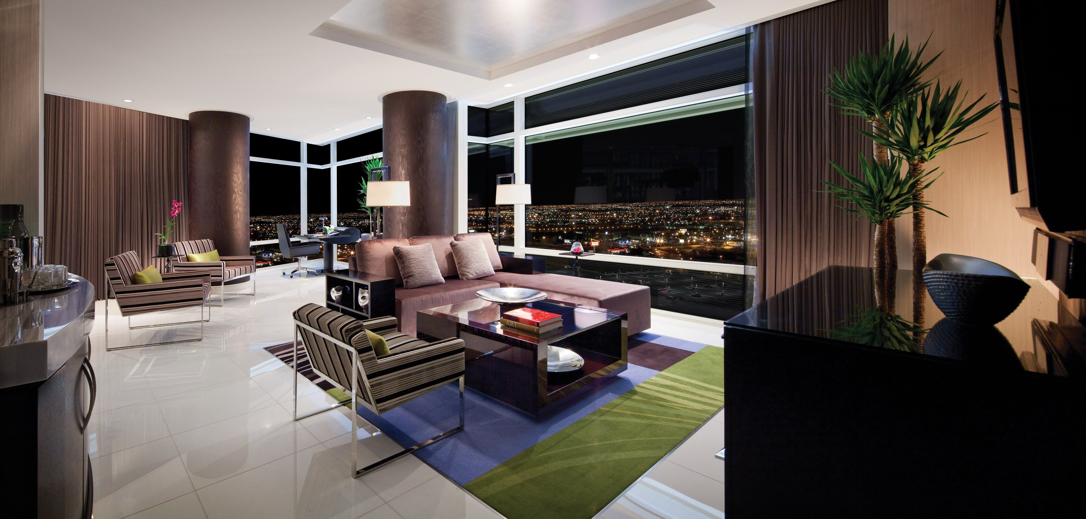 Mirage One Bedroom Tower Suite Enjoy All Our Lavish Luxurious In This 1465 Square Foot Sanctuary