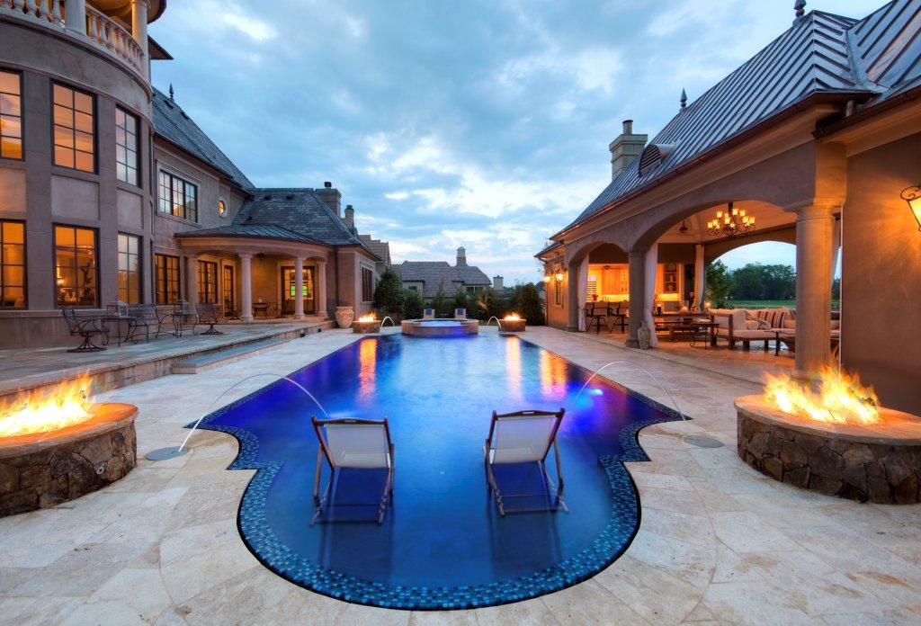 Grecian Style Pool Located In Charlotte Nc Built By Blue Haven Pools