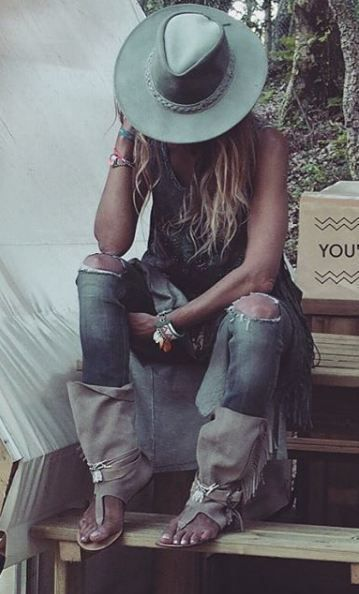 Hippie Outfit #rockandrolloutfits