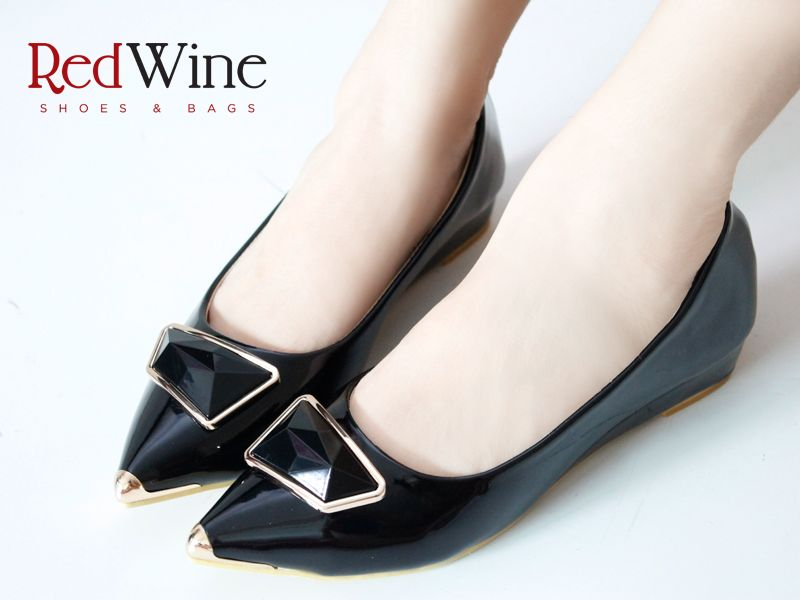 Buy ARA Women's Celia Wedge Sandal at Amazon.in