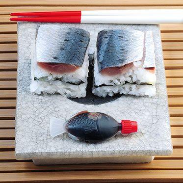 Schicht-Sushi mit Sardinen