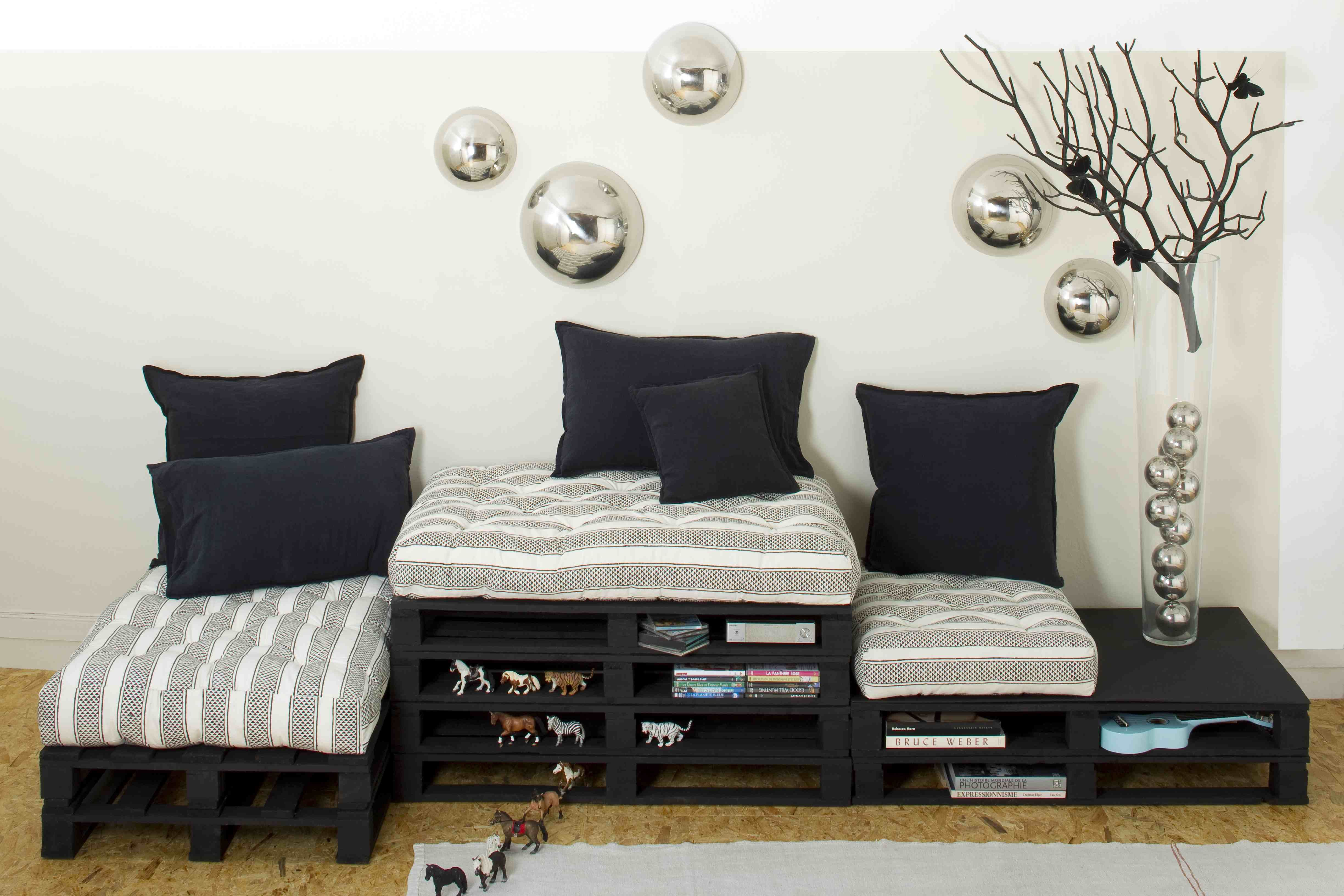 canap modulable coussins crate le monde sauvage. Black Bedroom Furniture Sets. Home Design Ideas