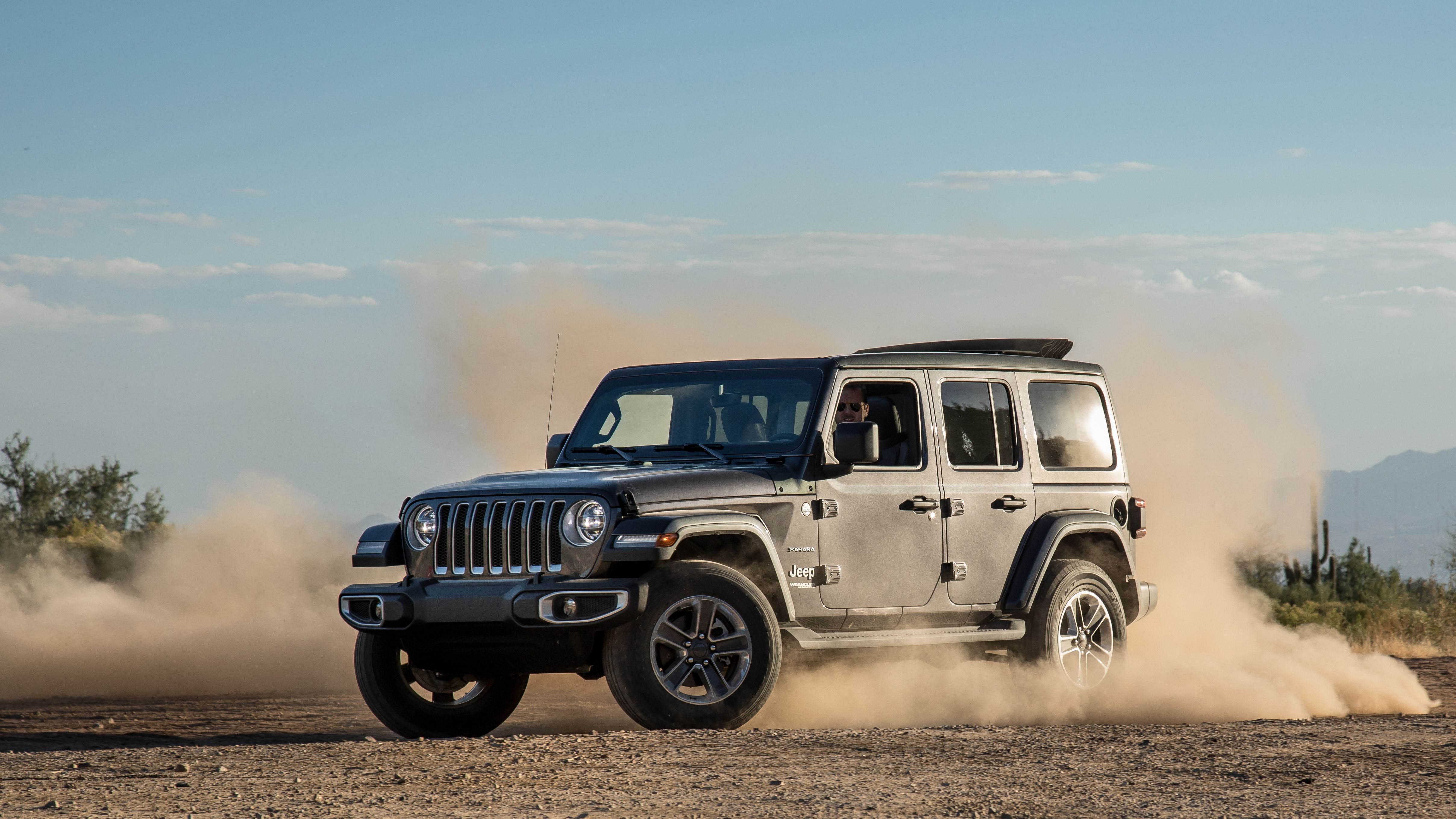 The 2018 Jeep Wrangler Is A Suv That S Great For Small Families Off Road Shoppers And Towing Jeep Wrangler Jeep Jeep Wrangler Reviews
