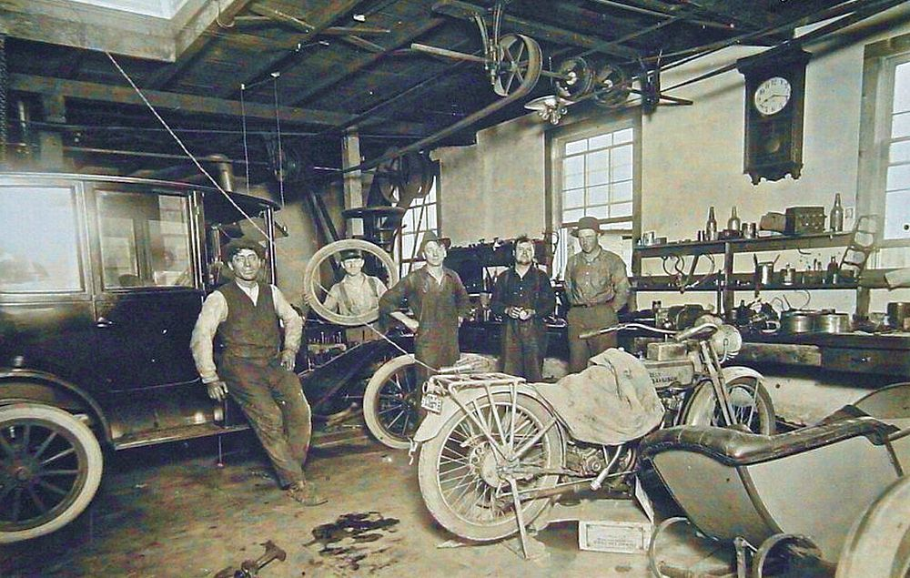 Model t ford forum model t garage work areas fords 2 for Garage reparation ford