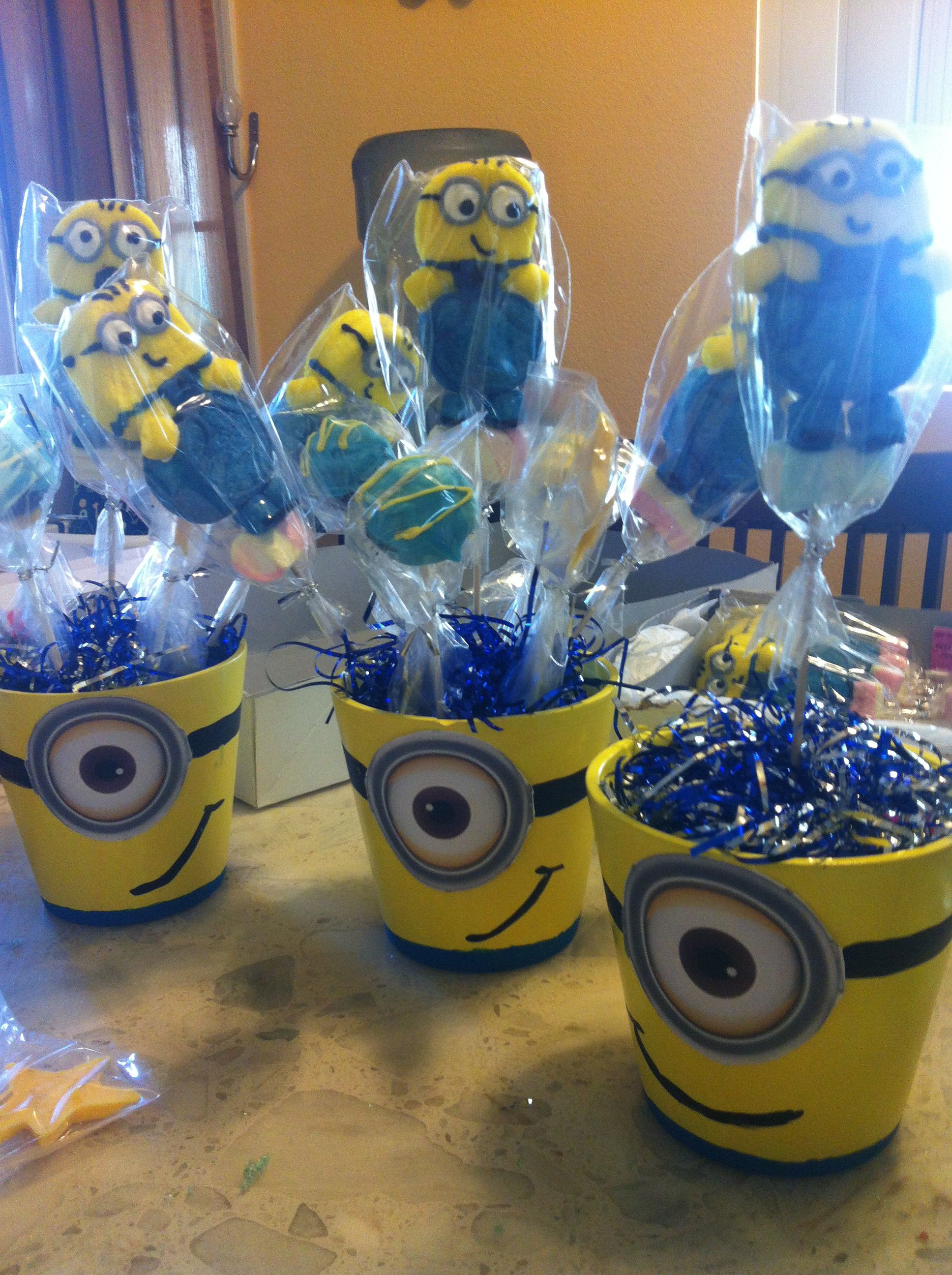 Minions Kindergeburtstag Minion Table Decor Decor Party Pinterest