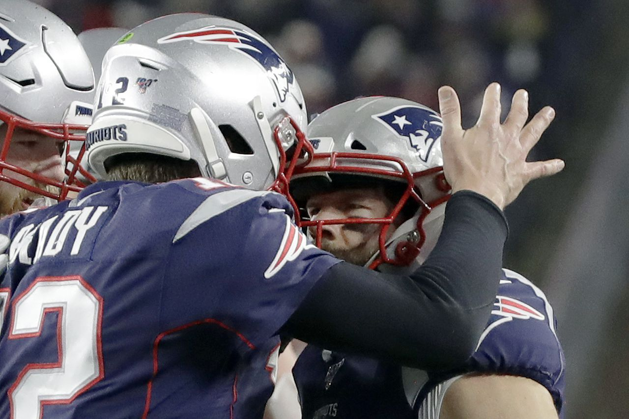 Julian Edelman Remains The Go To Guy In Tom Brady S Offense No Matter How Many Injuries He S National Nfl News National Football League National Football
