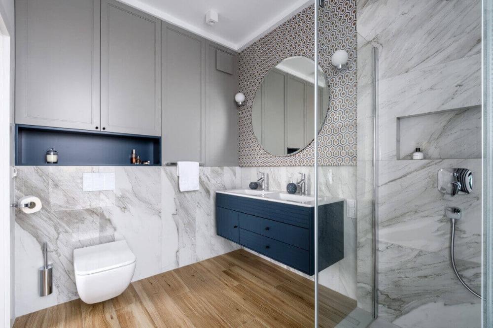Urzadzamy Lazienke W Kolorze Roku 2020 Classic Blue Bathroom Design Decor Bathroom Interior Round Mirror Bathroom