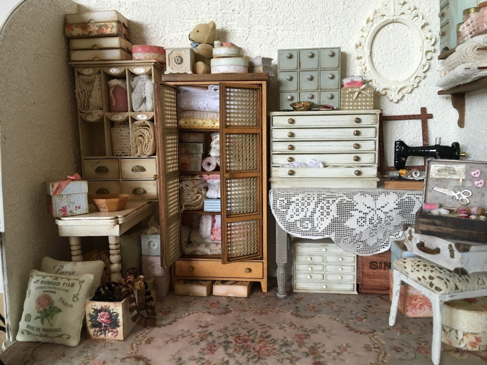 A Place To Show All The Things I Love To Make For My Miniature  # Muebles Nelly Maria