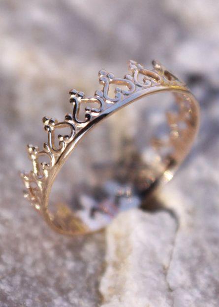 14K Solid Gold Crown Ring, Princess Ring