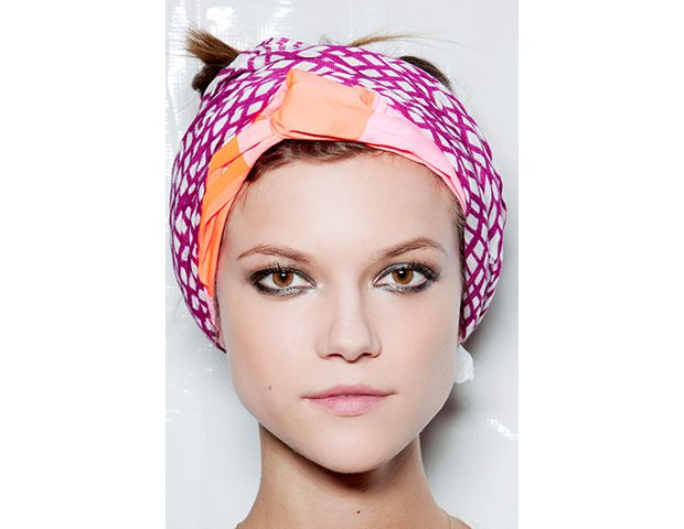 @Byrdie Beauty - That a DIY Turban is Pure Genius  Marc by Marc Jacobs S/S 2012  We suggest you pair your DIY turban—you can craft one with a small silk scarf and this DIY—with smudged eyeliner, like models wore at the S/S 2012 show.