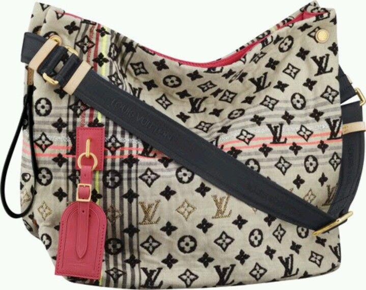 838a636ddbfd Styling Tips  Louis  Vuitton  Handbags Louis Vuitton Handbags Is The Best  Choice To Send Your Friend As A Gift