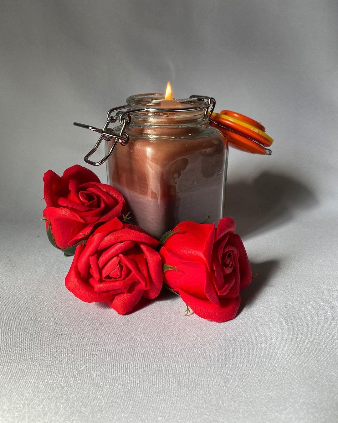 شکی نیست که شمع های معطر گزینه ای عالی برای افزودن زیبایی و شخصیت به یک محیط است اما آیا می دونستین که عطر یک شمع می تونه Your Image How