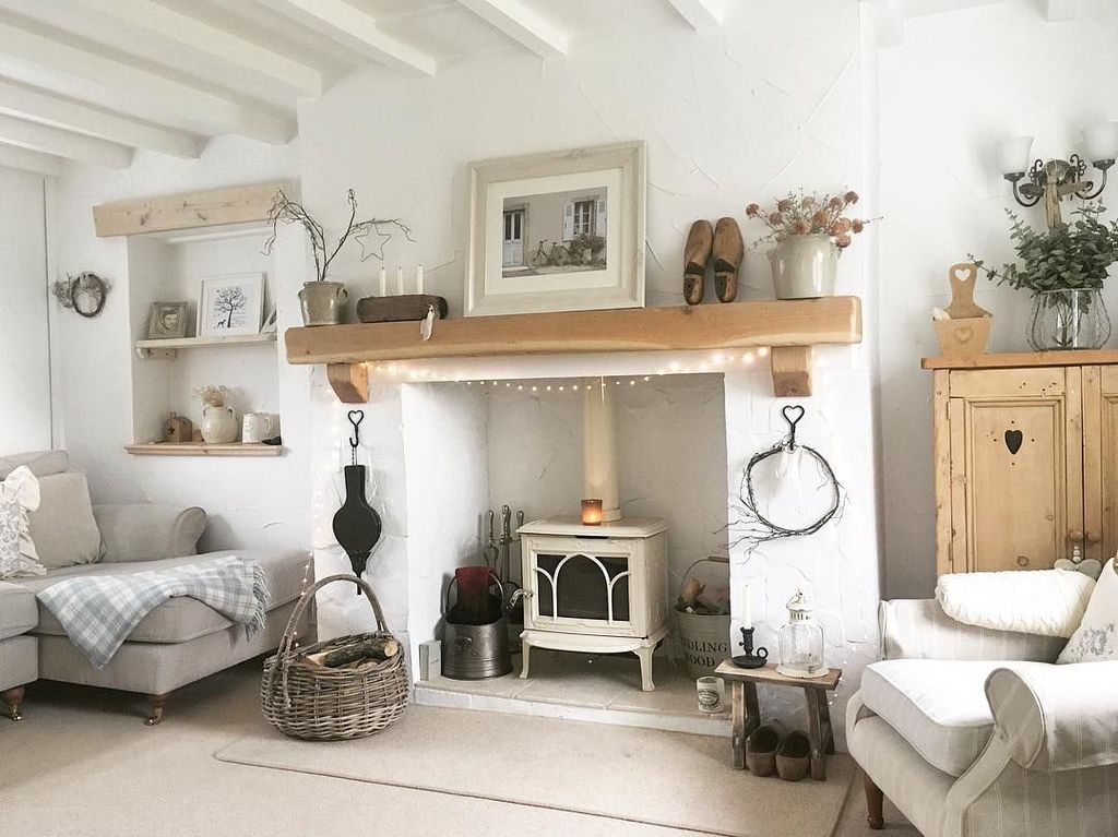 30 Amazing Small Cottage Interiors Decor Ideas In 2020 Small Cottage Interiors Cottage Interiors Home Living Room