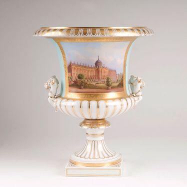 Bedeutende Kratervase Mit Ansicht Des Neuen Palais Nach Carl Daniel Freydanck Mit Bildern Neues Palais Porzellan Vase