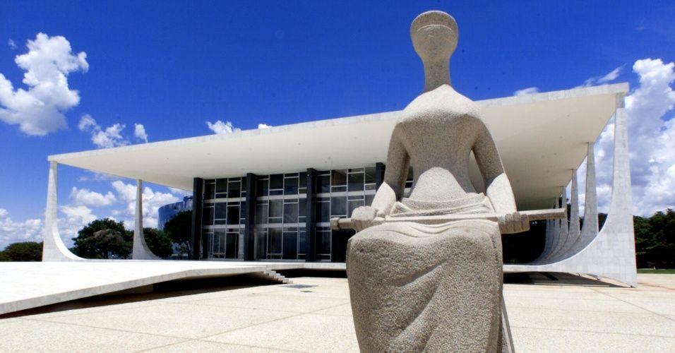 Estatua Da Justica Praca Dos Tres Poderes Obras De Oscar