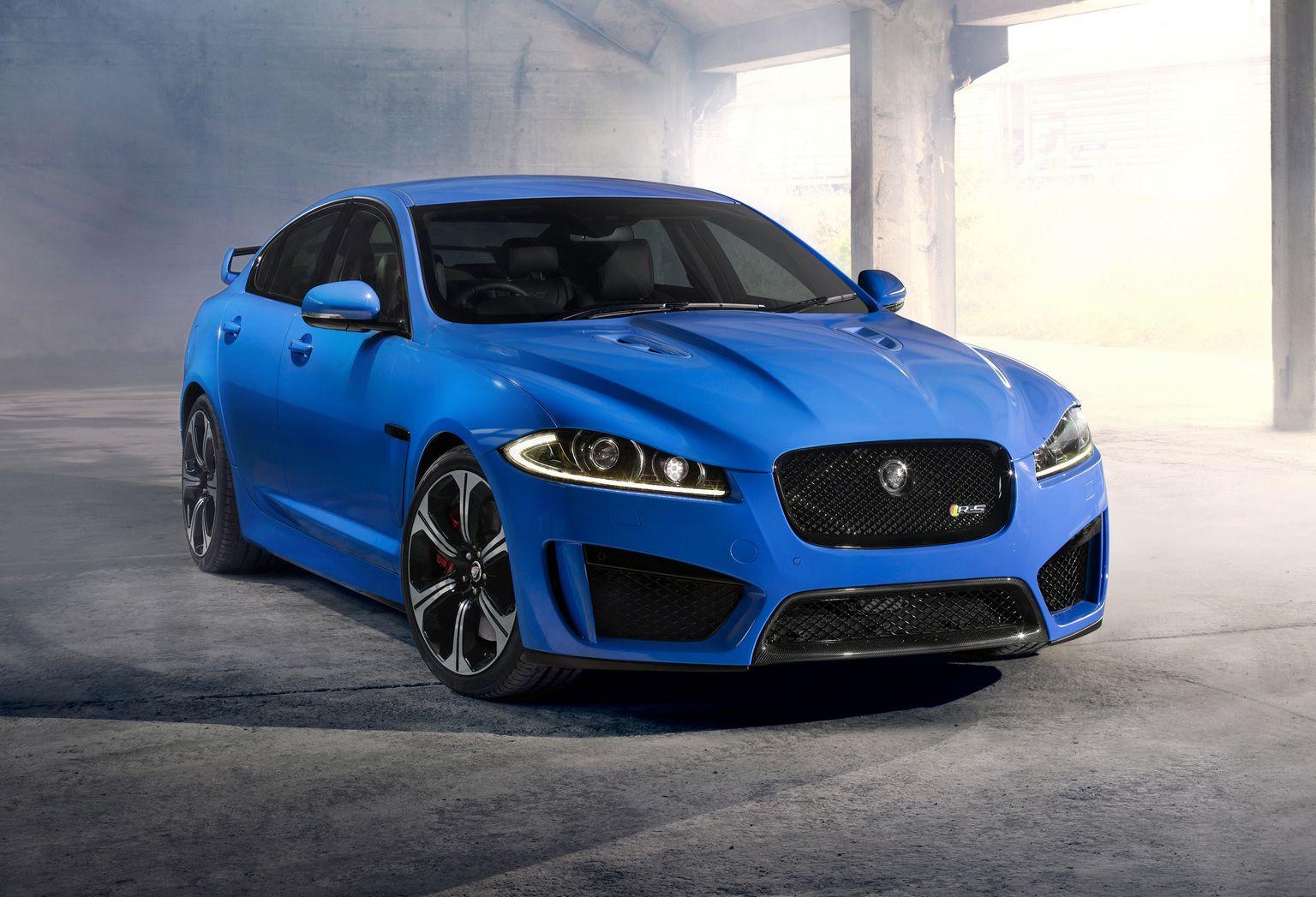 Supercar & Sports Car Pictures (Ultimate Hub)   Jaguar car ...