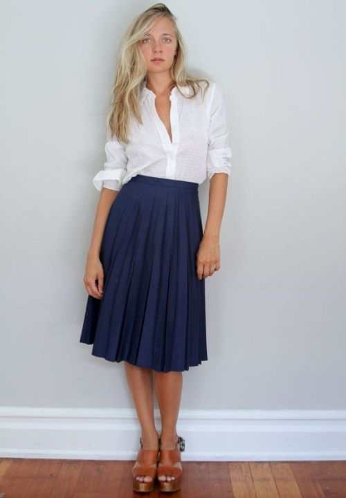 d354cdab64 An elegant combination of a vintage high waist pleated skirt and a simple  white blouse