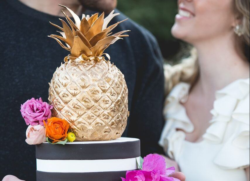 Charming Gold Pineapple Cake Video Tutorial Unless Youve Been Living Under The Proverbial Rock