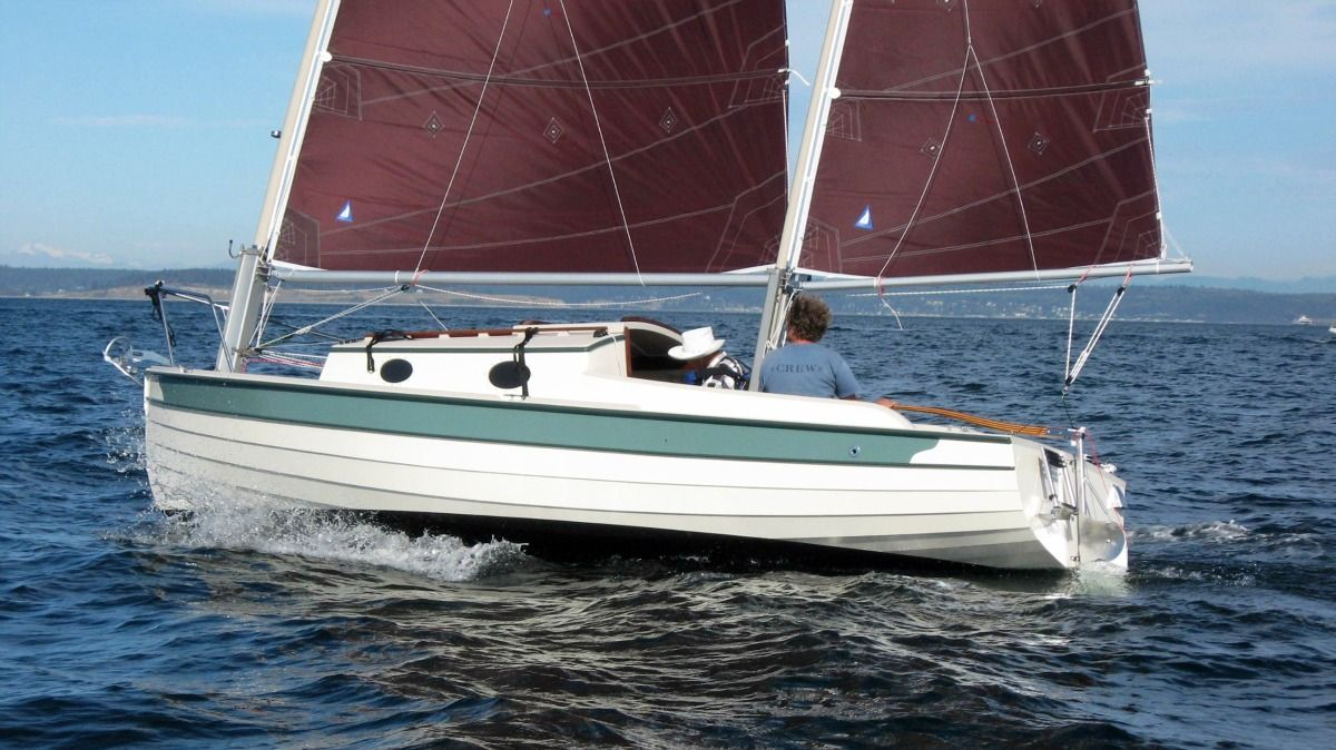Townsend Tern: 23 5' electric powered trailerable cat ketch