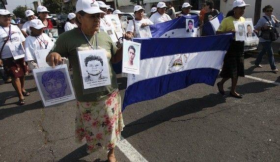 Madres en busca de migrantes desaparecidos encontraron a seis de sus hijos en el marco de la novena caminata que realizan desde Centroamérica hacia México, recorriendo la ruta de los migrantes que buscan llegar a Estados Unidos.