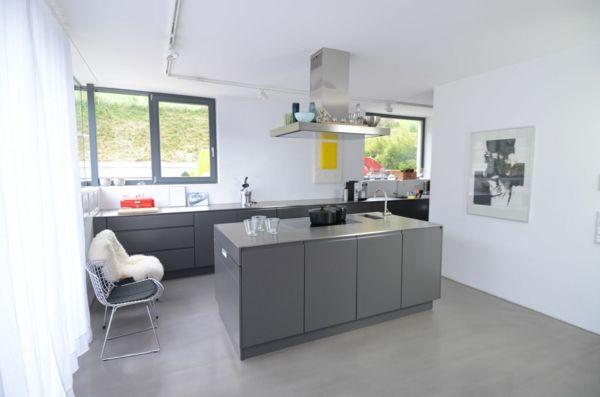 Maßküche-in-Grau-Edelstahl-arbeitsplattejpg 600×397 Pixel Ideas - küchen in grau
