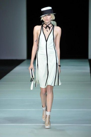 Emporio Armani: vestido blanco y negro escote en V   Marlene ...