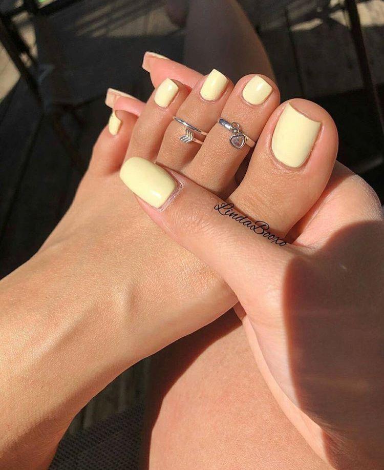 Pin By Nadine Tsirimona On Nailed It Summer Toe Nails Yellow Nails Toe Nails