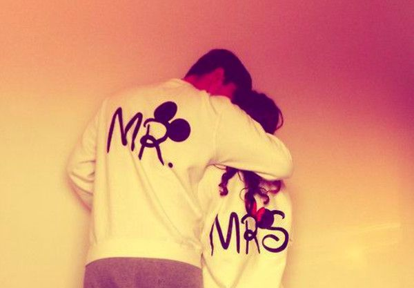Get The Sweater For 45 At Ebay Com Wheretoget Disney Outfits Cute Couples Romantic Dp