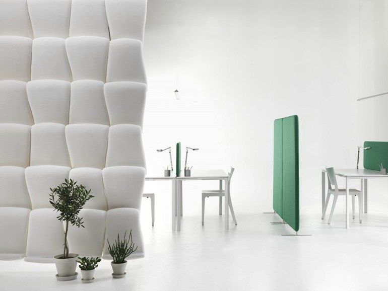 Panneau de séparation pour bureaux modulable airwave by abstracta