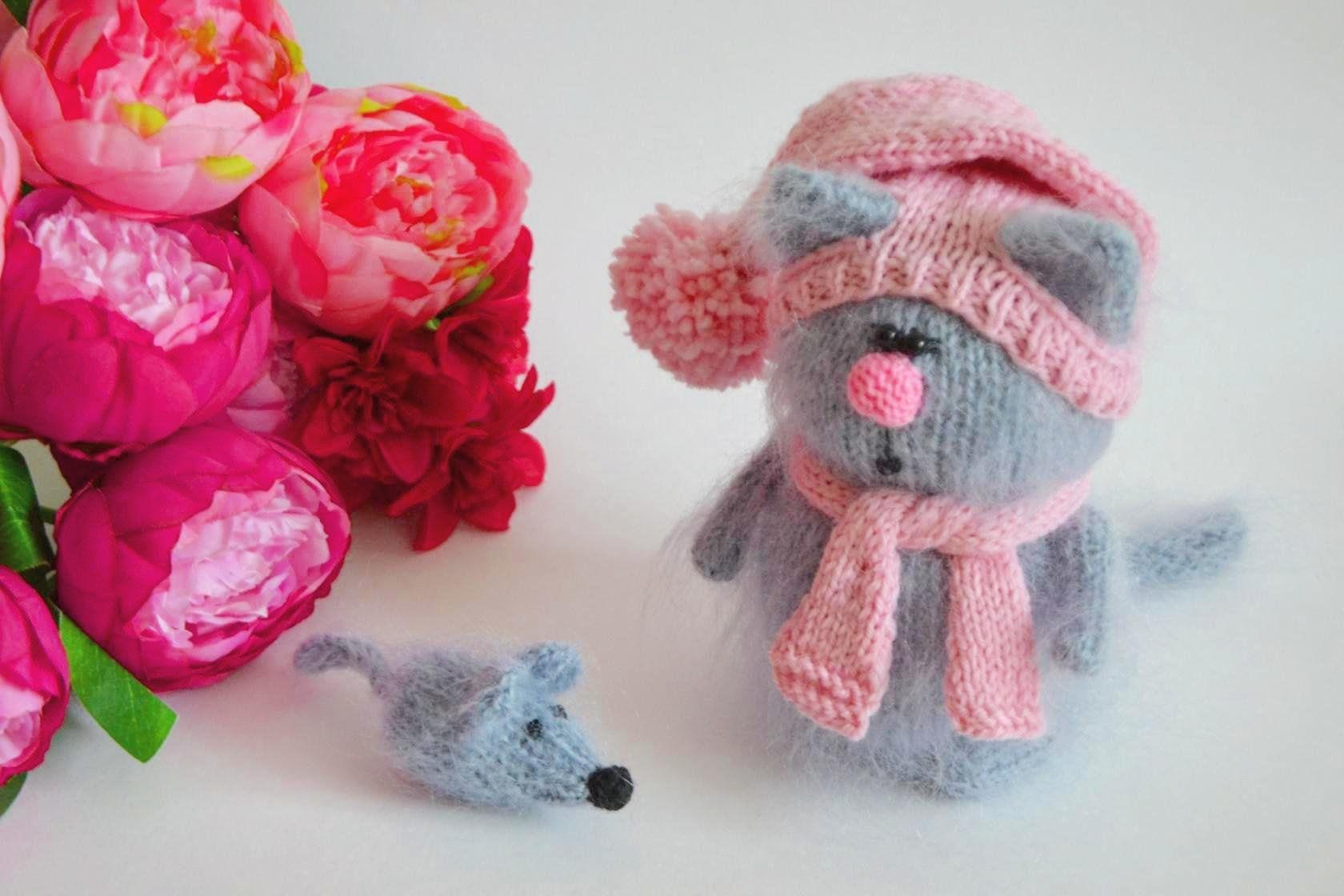 toy cat amigurumi kitten - kitty softie cat stuffed, cute cat plush, wool toy cat Hand, cute fluffy kitten #fluffykittens