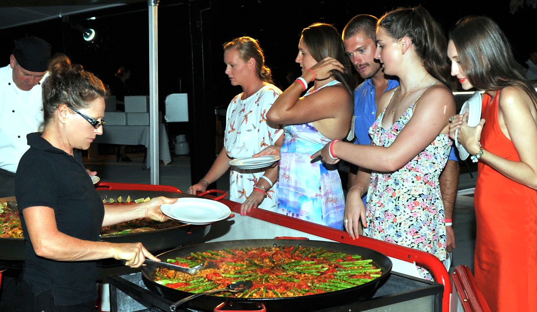 Vegetarian, seafood or meat paella?  Hmmm, difficult choice!