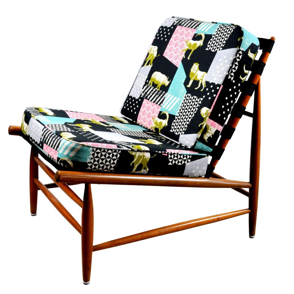 Zierlicher Coctail Sessel mit aussergewöhnlichem japanischen Canvas ...