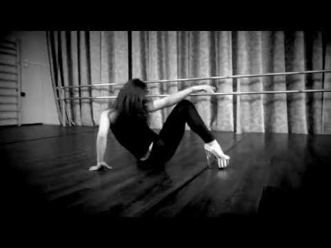Сексуальный танец со стулом для начинающих видео