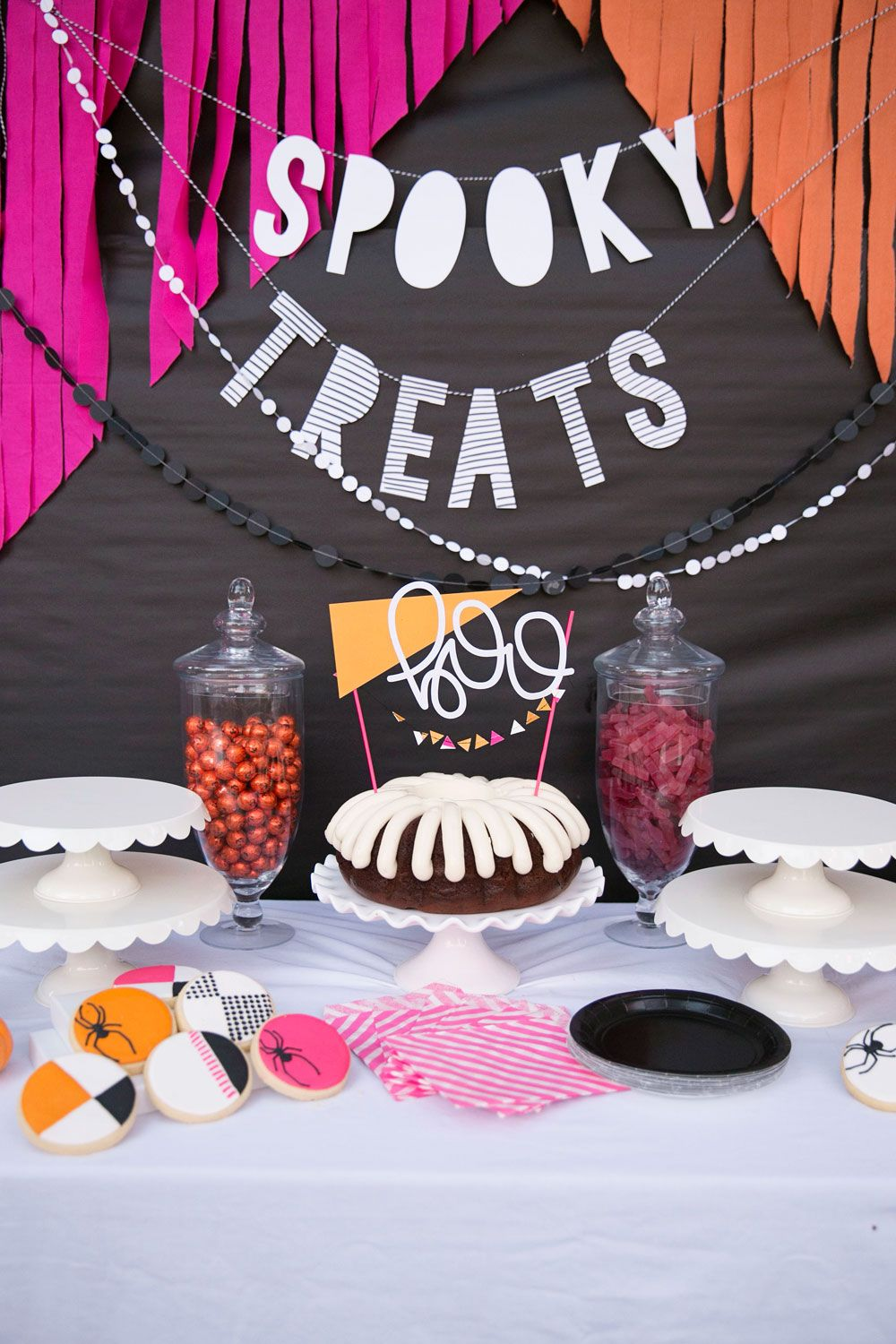 A WHIMSICAL, GEOMETRIC HALLOWEEN PARTY Pinterest Halloween - whimsical halloween decorations