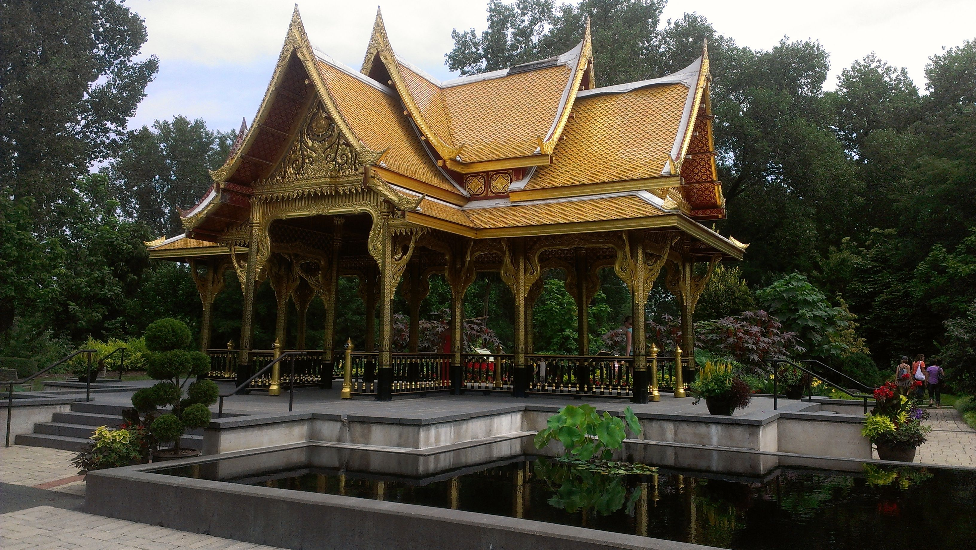 Fall Comes To Garden Of Thai Pavilion >> Olbrich Botanical Gardens This Exotic Thai Pavilion And Garden Is